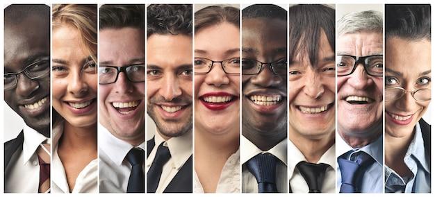 Collage von lächelnden menschen