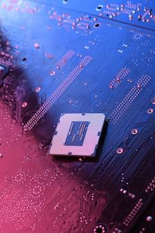 Computer-cpu-prozessor-chip auf der leiterplatte