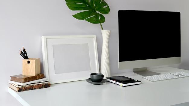 Computeranzeige und büroausrüstung