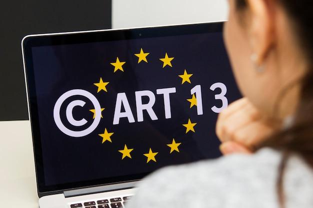 Concept eu-richtlinie zum urheberrecht im digitalen binnenmarkt oder cdsm-kunst ist als meme-verbot bekannt
