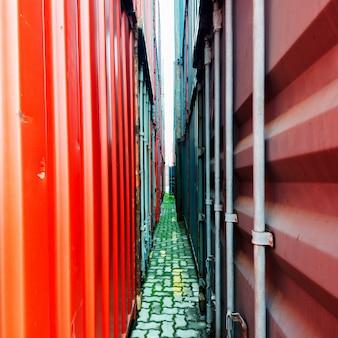Containerhof auf dem pier