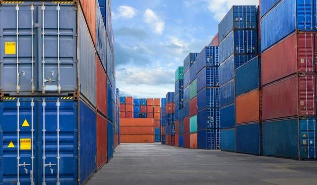 Containerhof im geschäft des import-exports