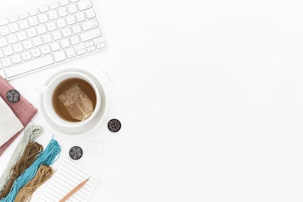 Copy-space-kaffee und kekse