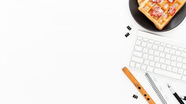 Copy-space-waffeln zum frühstück