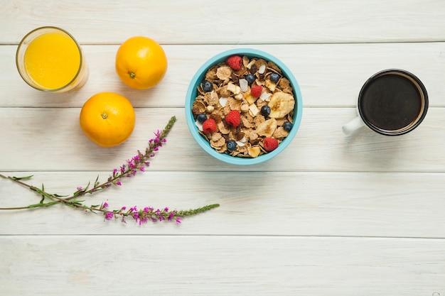 Cornflakes für gesunde morgenmahlzeit