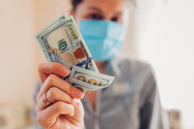 Coronavirus covid-19 pandemie apotheke gewinn auf medizinischen masken.