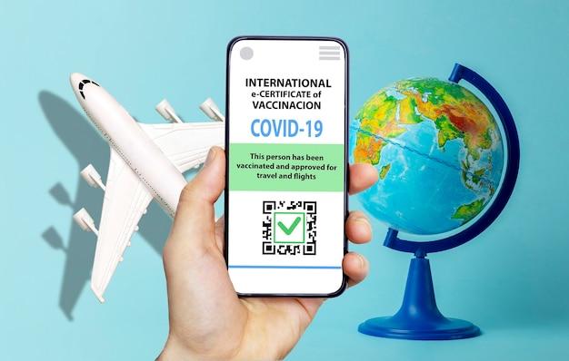 Coronavirus-impfpass oder impfpass für reisende