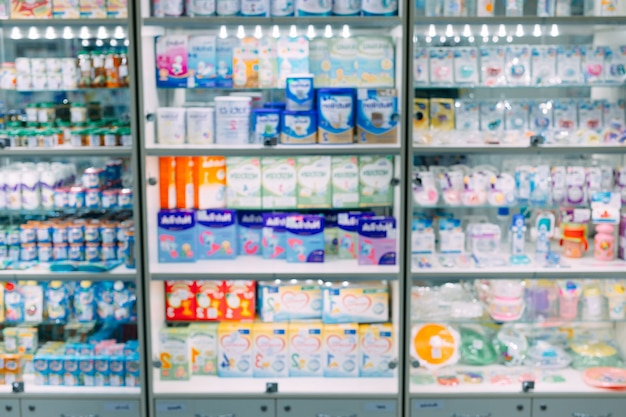 Counter store tisch apotheke regal verschwommen unschärfe fokus droge medical shop drogerie medikamente blank medizin pharmazeutika.