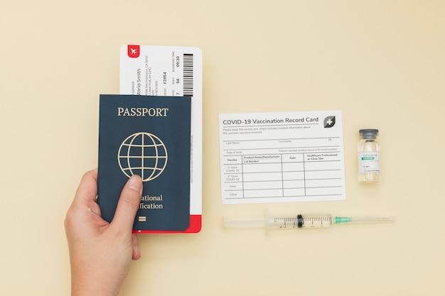 Covid-19-impfbescheinigung mit reisepass-reisegenehmigung