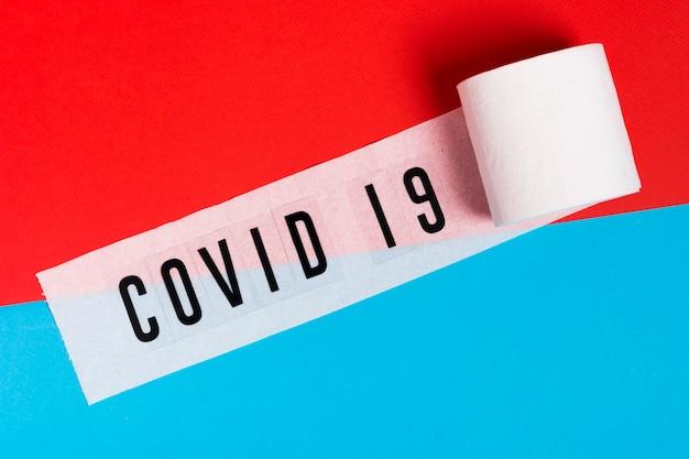 Covid 19 nachricht auf toilettenpapierrolle