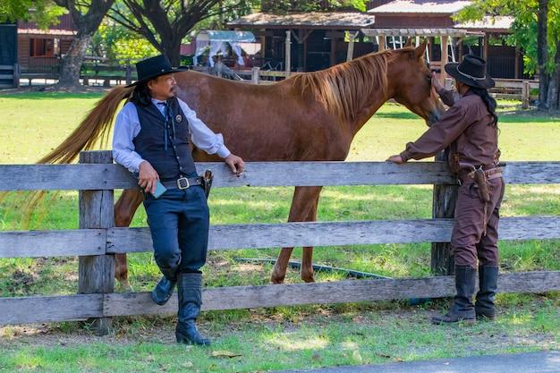 Cowboys mit pferd