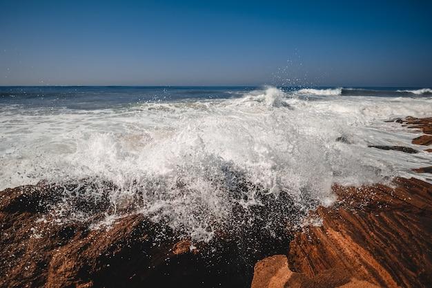 Crashing wave dramatisch