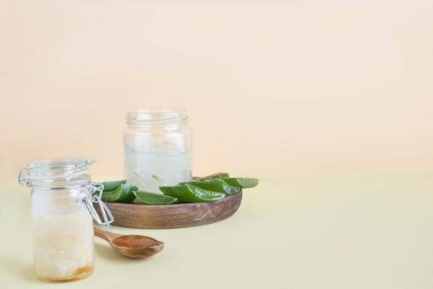Creme aus aloe vera und honig
