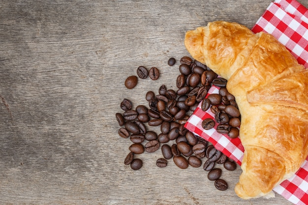 Croissant brot kaffeebohne