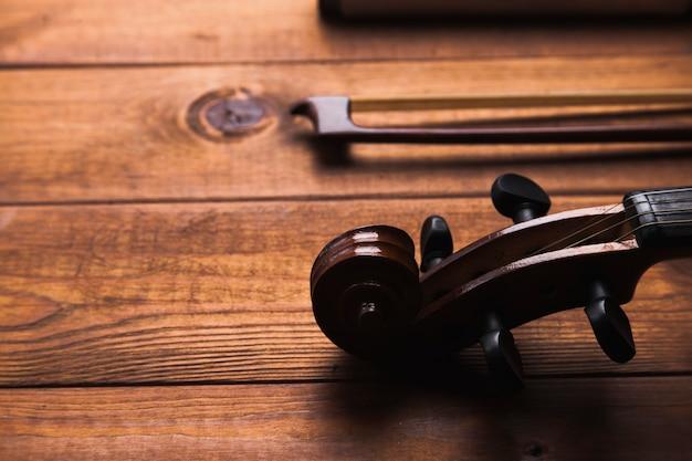 Crop violine und bogen