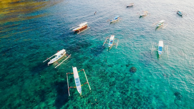 Crystal bay strand nusa penida insel. indonesien Premium Fotos