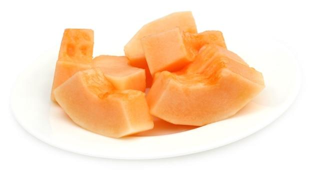 Cucumis melo oder muskmelon auf einem teller