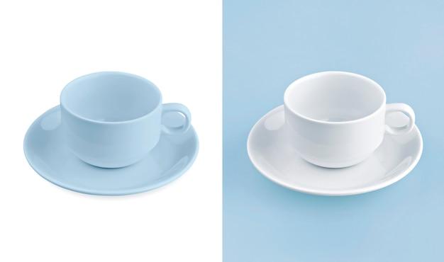 Cup auf weißem & blauem hintergrund