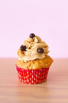 Cupcake mit kaffee und schokolade