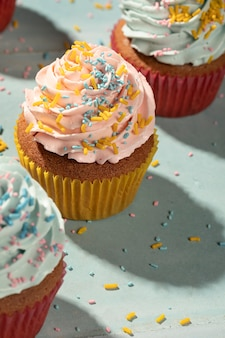 Cupcakes mit glasur-sortiment