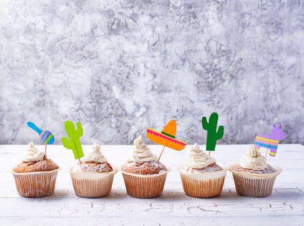 Cupcakes zum feiern der mexikanischen party