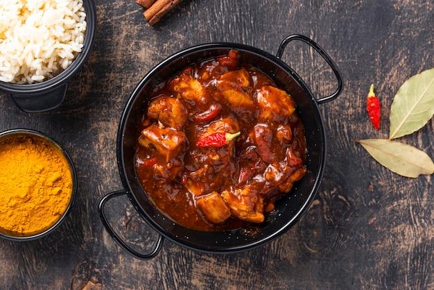 Curry huhn tikka masala mit reis