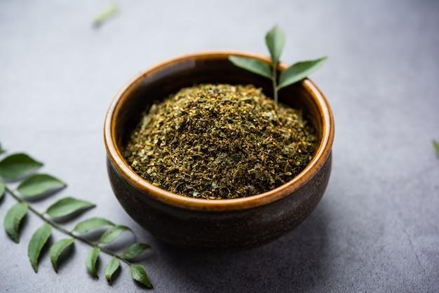 Curryblätterpulver oder karivepaku oder karuveppilai podi