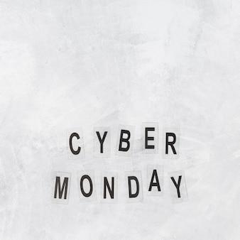 Cyber montag inschrift auf papieren