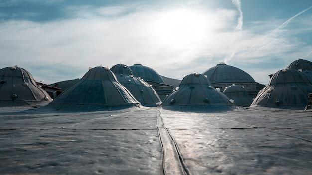 Dach eines alten hamam. tokat türkei