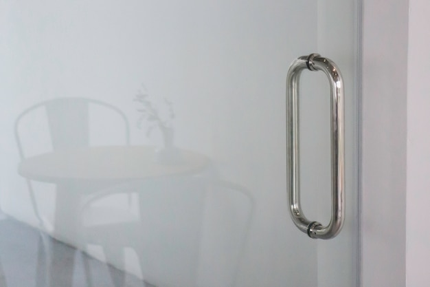 Dachbodenraumcafé mit coworkingplatz