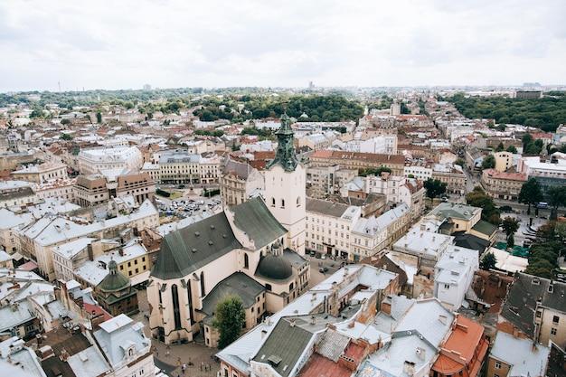 Dächer der alten europäischen stadt