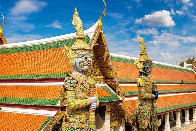 Dämonenwächter in bangkok