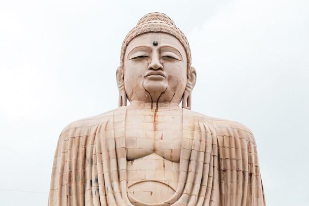 Daibutsu, die große buddha-statue in der meditationshaltung