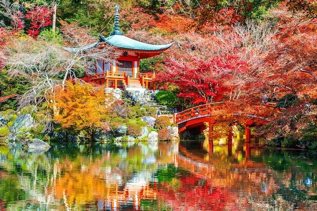 Daigoji-tempel im herbst, kyoto. japan herbstsaison.