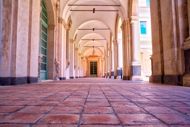 Das benediktinerkloster von catania