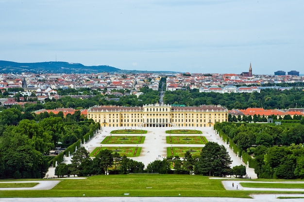 Das berühmte schloss schönbrunn in wien, österreich