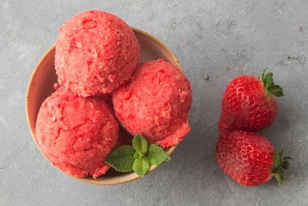 Das beste erdbeer-eisrezept