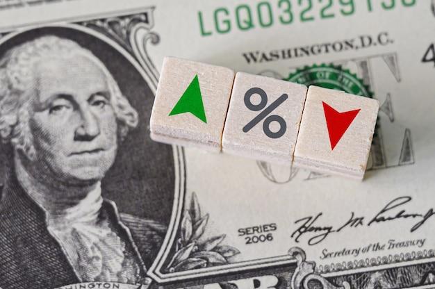 Das federal reserve system ist das zentralbanksystem der vereinigten staaten von amerika und ändert die zinssätze. Premium Fotos