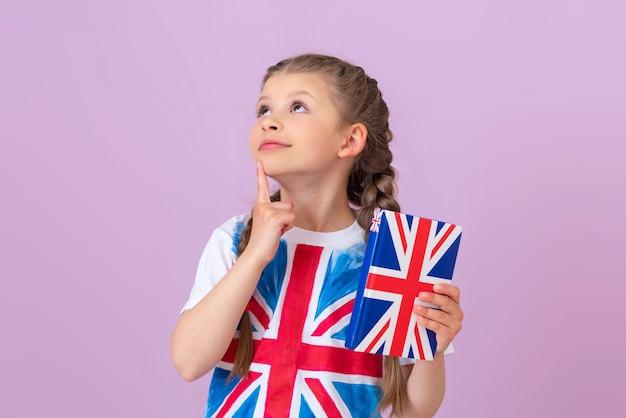Das kind möchte unbedingt englisch lernen.