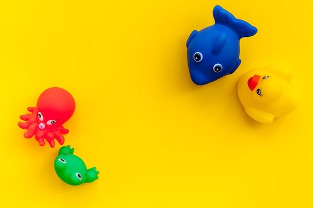 Das konzept der badespielzeuge für kinder