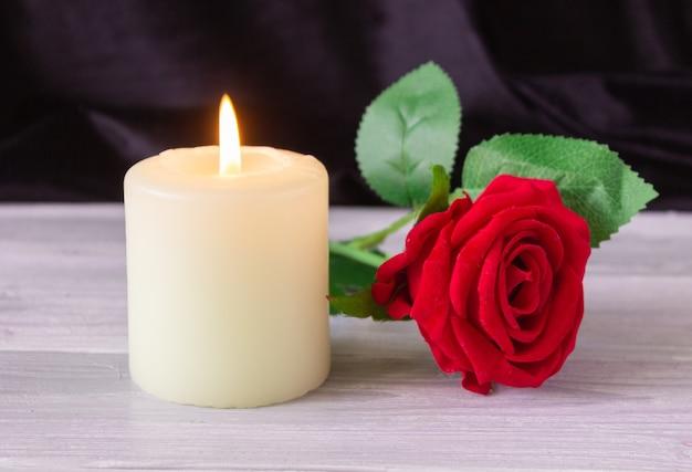 Das konzept der erinnerung, beerdigung und beileid