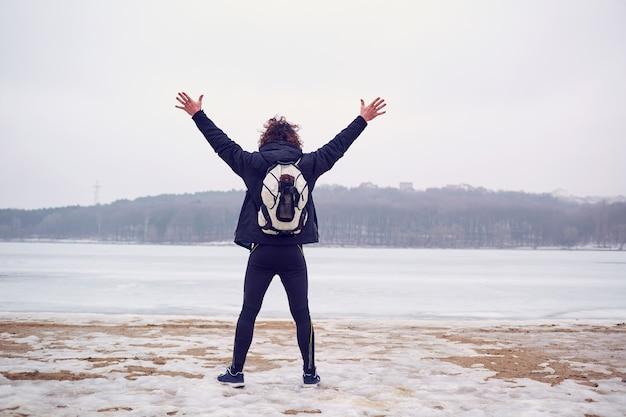 Das konzept des lebenslangen reisens, der abenteuerfreiheit.
