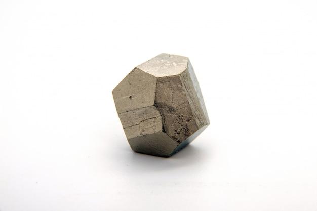 Das mineral pyrit oder eisenpyrit, auch als narrengold bekannt, ist ein eisensulfid.