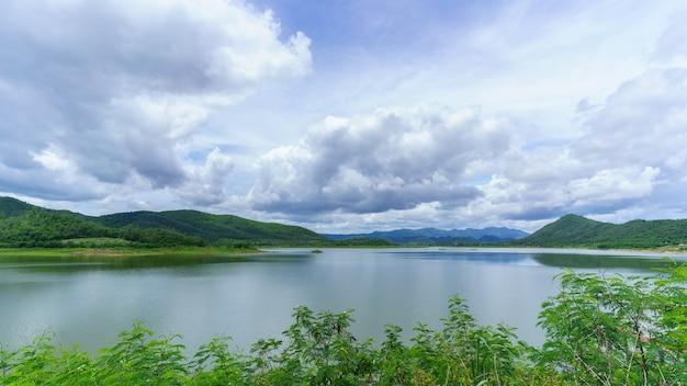 Das reservoir bei ban yang chum