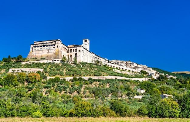 Das sacro convento, ein franziskanerkloster in assisi. in italien