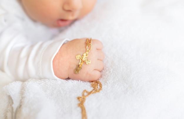 Das sakrament der taufe eines kindes