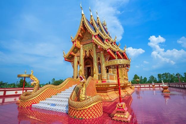 Das schöne von wat pipatmongkol ist ein buddhistischer tempel
