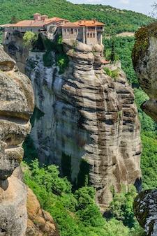 Das stechpalmenkloster von varlaam, meteora, griechenland