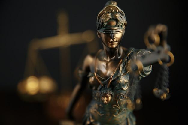 Das symbol der gerechtigkeitstatue, konzeptbild des rechtsrechts