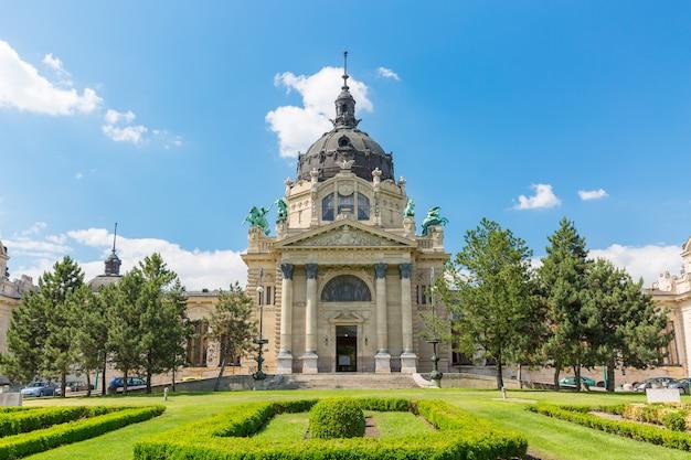 Das szechenyi bad in budapest, ungarn